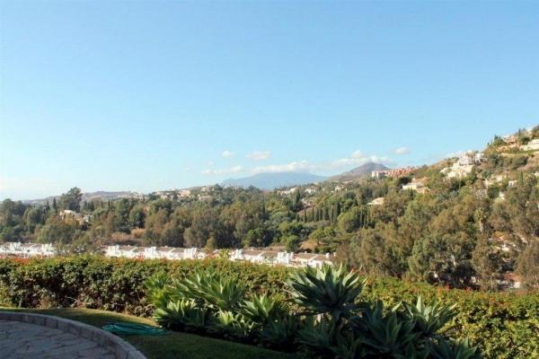 Såld: 4 Sovrum, 4 Badrum Villa i La Quinta, Benahavis