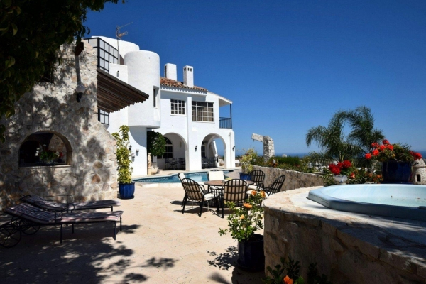 Sold: 5 Bedroom, 6 Bathroom Villa in La Quinta, Nueva Andalucia