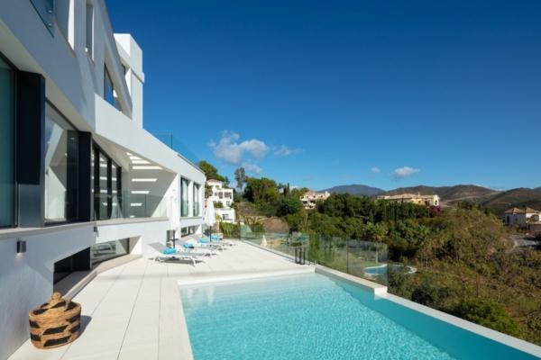 Sold: 5 Bedroom, 6 Bathroom Villa in La Quinta, Benahavis