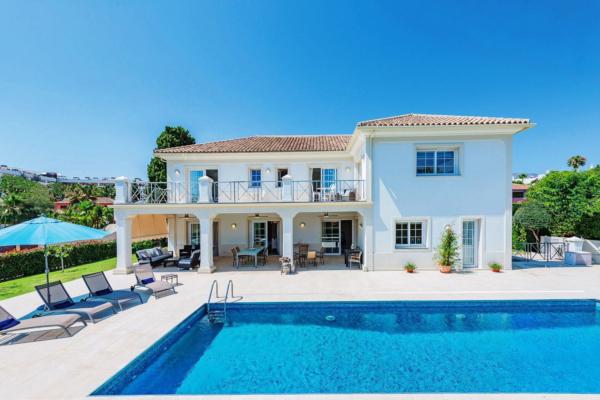 7 Bedroom, 6 Bathroom Villa For Sale in Casablanca, Golden Mile