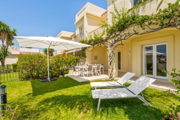 3 Sovrum, 3 Badrum Villa Till Salu i La Quinta, Benahavis
